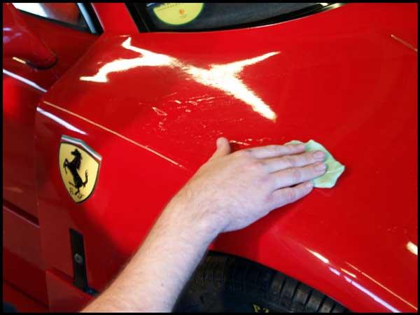 موادی که به رنگ خودرو شما آسیب میزند