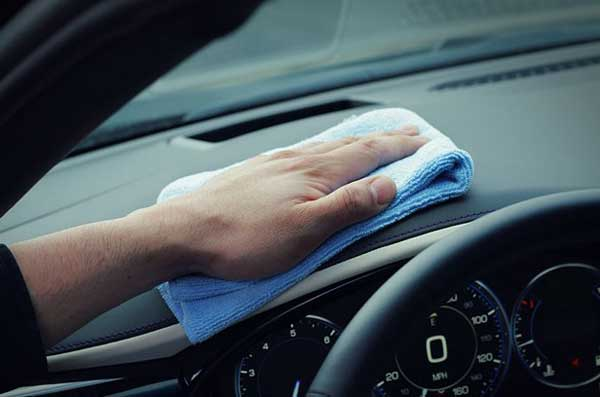 how-to-clean-dashboard-of-a-car