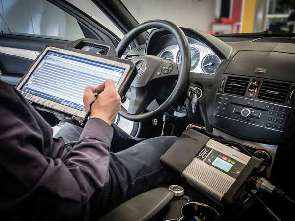 Bachelor-of-Technology-in-Mercedes-Benz