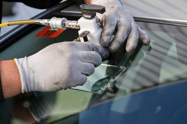 Car-glass-car-corrosion-repair-in-place