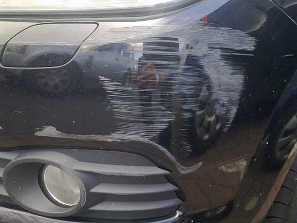 ترمیم شکستگی سپر خودرو