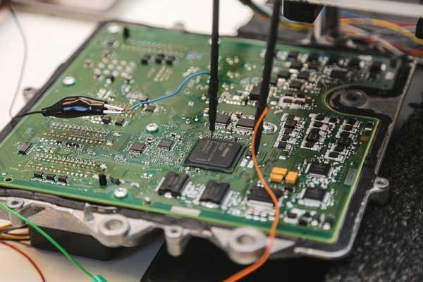 تعمیر و تعویض کامپیوتر ( ECU ) خودروهای بیامو