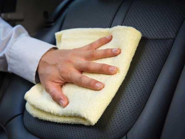 شستشوی تخصصی صندلیهای خودرو
