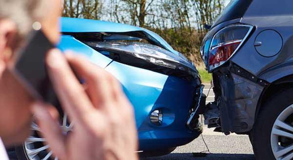 وقوع تصادفات جادهای