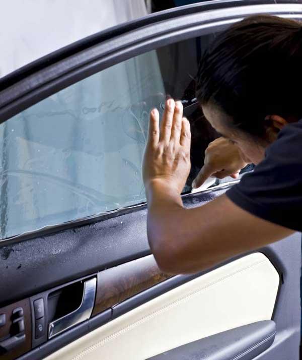 دودی کردن شیشههای اتومبیل